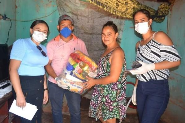 cestas básicas às famílias em situação de risco social, vamos junto combater o covid-19